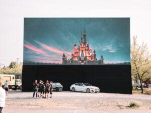 "Autokino ""CAR WATCH Drive-In Bühne Köln"""